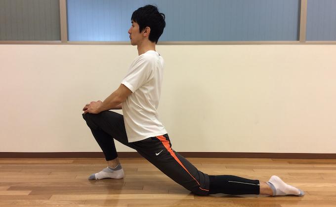 もも前〜ソケイ部(大腿直筋、腸腰筋)のストレッチ