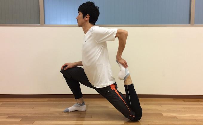 もも前〜ソケイ部(大腿四頭筋、腸腰筋)のストレッチ