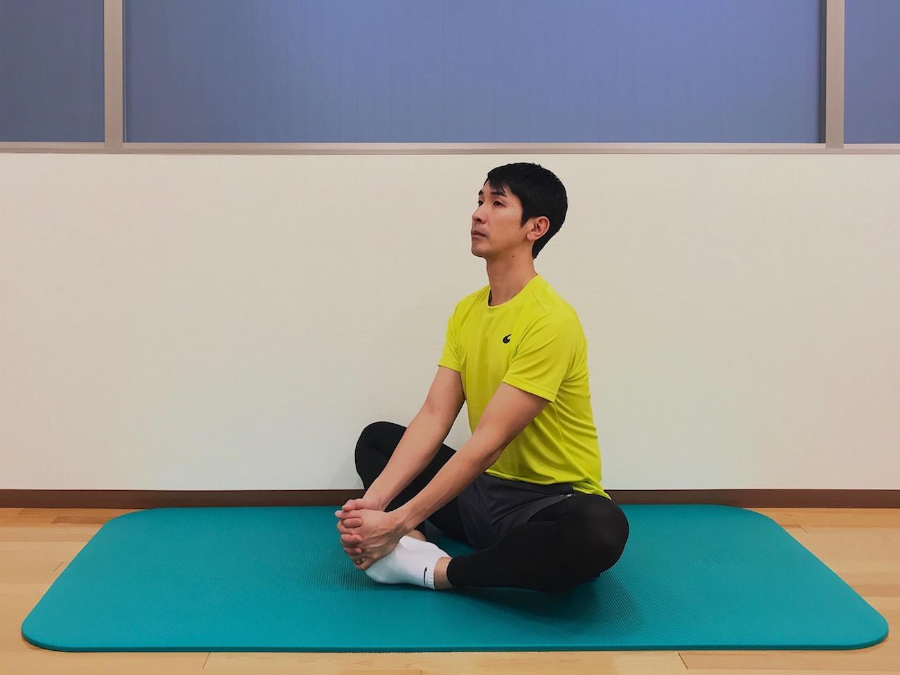 内ももの筋肉(内転筋群)のストレッチの方法