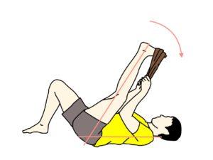 タオルを使って行うもも裏(ハムストリングス)のストレッチの方法