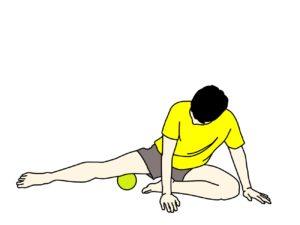 マッサージボールで内転筋をほぐす方法