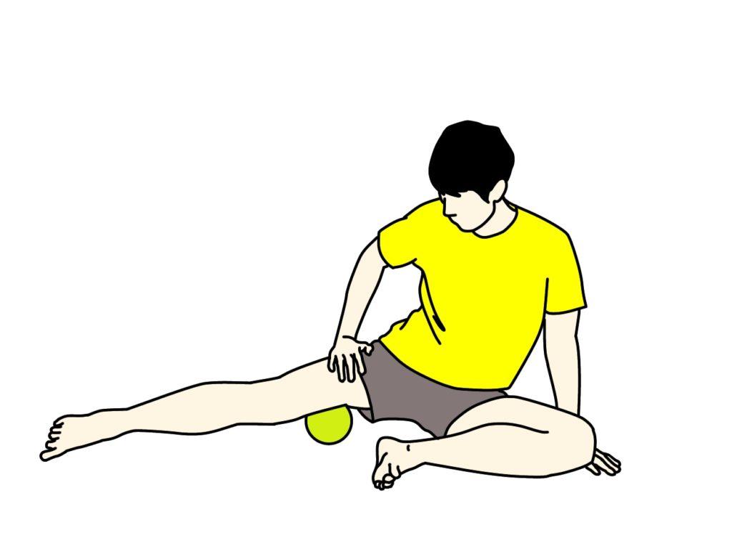 マッサージボールで内転筋群をほぐす方法