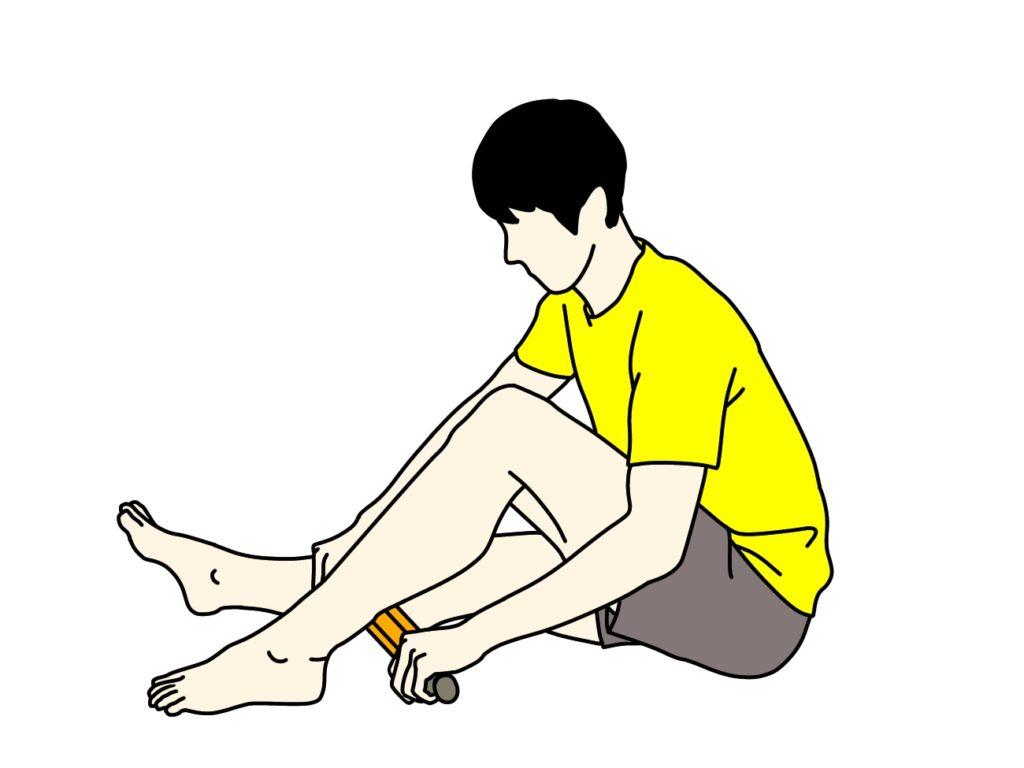 グリッドフォームローラー(マッサージローラー)でふくらはぎ(下腿三頭筋)をほぐす方法