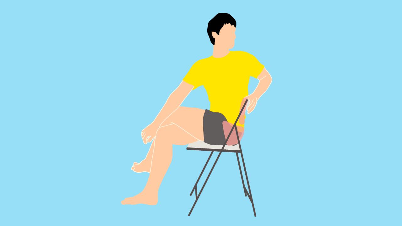 椅子に座って行う腰〜お尻(大殿筋)のストレッチ