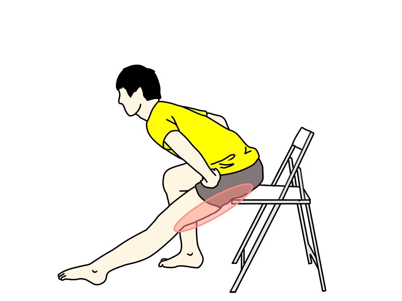 椅子に座りながらできるもも裏のストレッチ3