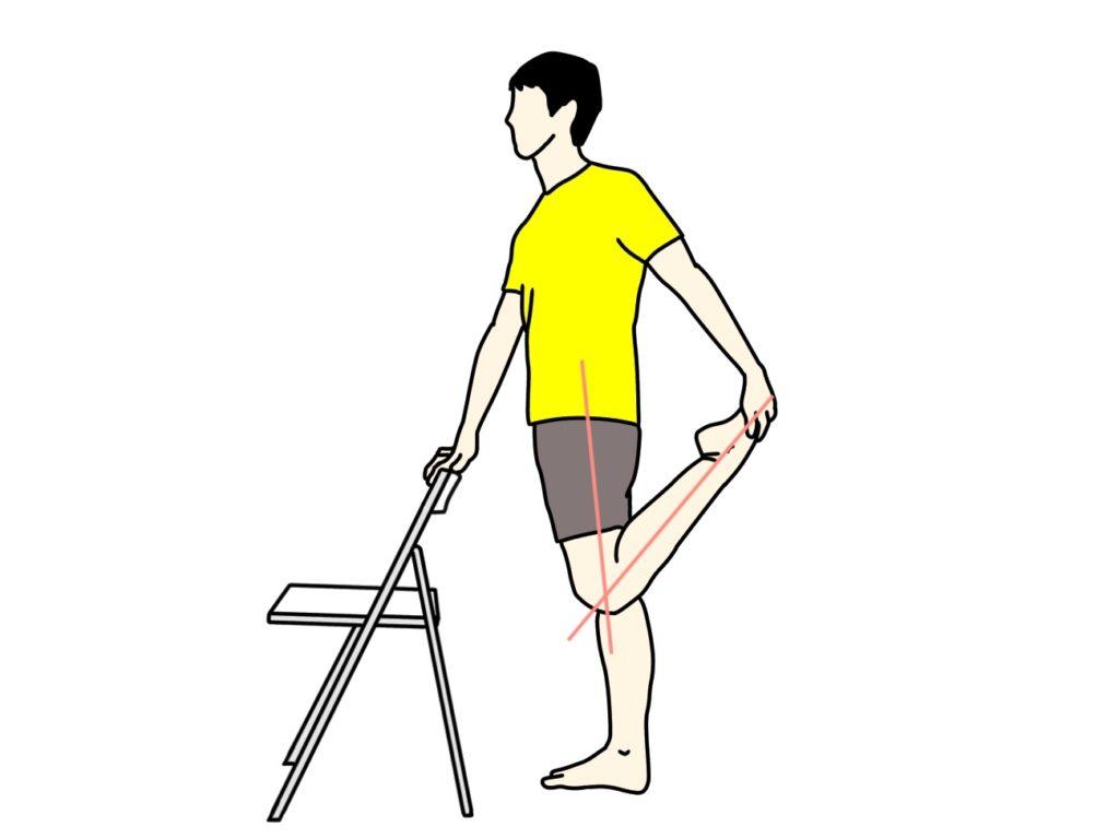 椅子につかまって行うもも前の筋肉(大腿四頭筋)のストレッチの方法1