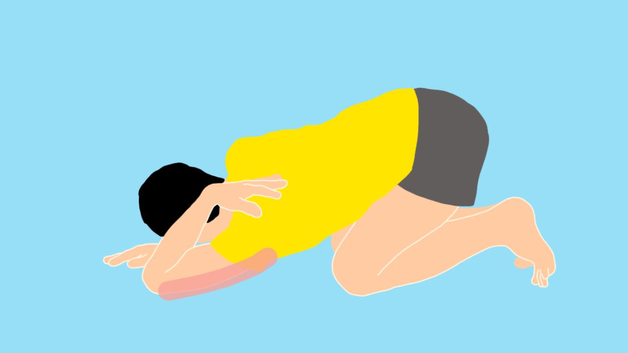 床で行う二の腕(上腕三頭筋)のストレッチ